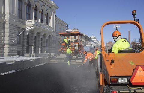 Busseille asfaltointiin väylä raatihuoneen edustalle 15.3.