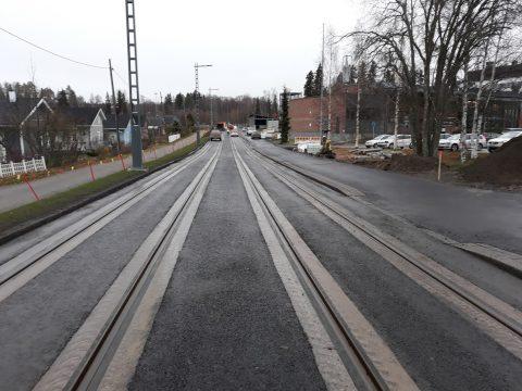 Tekunkadun raitiotierakenteista pääosa valmiina ja katu avataan liikenteelle 19.11.