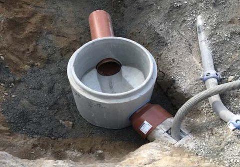 Pirkankadulla on asennettu uusia jätevesikaivoja jopa yli satavuotiaitten putkien tilalle