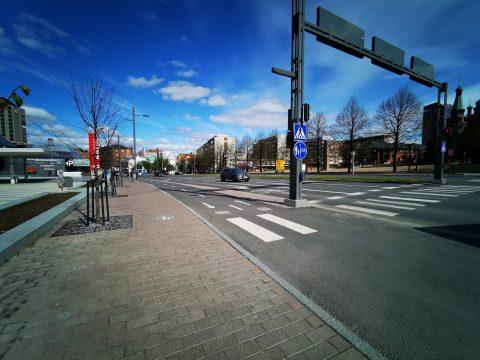 Hatanpään valtatien raitotieosuuden raitiopysäkki suunnitellaan Sorin aukiolle
