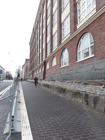 Attilan rakennuksen viereinen jalankulkuosuus on avattu 20.11.