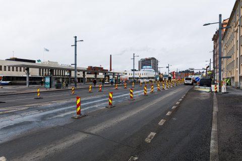 Vuolteenkadusta etelän suuntaan, linja-autoaseman edustalla, liikennejärjestelyjä muokataan vielä helmikuun alussa