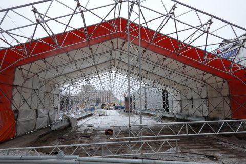 Otavalankadun tunnelin vesieristystä korjataan sääsuojassa Hatanpään valtatiellä