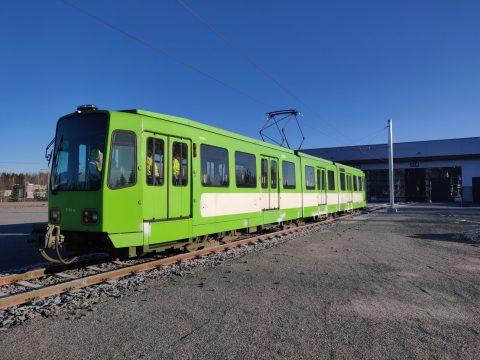 Tampereen raitiotien testaus ja koeajot alkavat maaliskuun puolivälissä Saksasta tuodulla raitiovaunulla