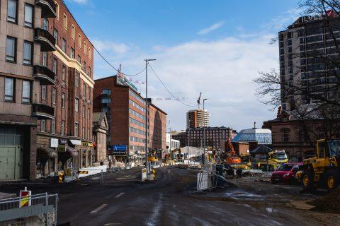 Hatanpään valtatiellä aloitetaan johto-ja putkisiirtojen jälkeen päällysrakennetöitä useassa kohdassa