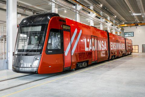 Koeajot Tampereen Ratikan protovaunulla alkavat kesä-heinäkuun taitteessa. Kuvassa Tampereen RAtikan protovaunu