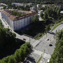Raitiotieallianssi tekee poraustöitä rautatiealueen läheisyydessä Näsinkalliolla