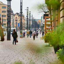 Hämeensillan raitiotie- ja katurakennustyöt valmiit – Hämeenkadulla käyttöön uusia jalankulku- ja pyöräilyväyliä, kaikki valmiina kesällä 2021