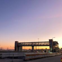 Jalankulkijoiden ylikulkukäytävä siirretään Santalahdessa – Paasikiventien ylitykseen ja bussipysäkkien käyttöön muutoksia